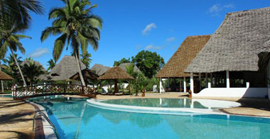 Blue-bay-beach-1-resorti-diani-travel-center
