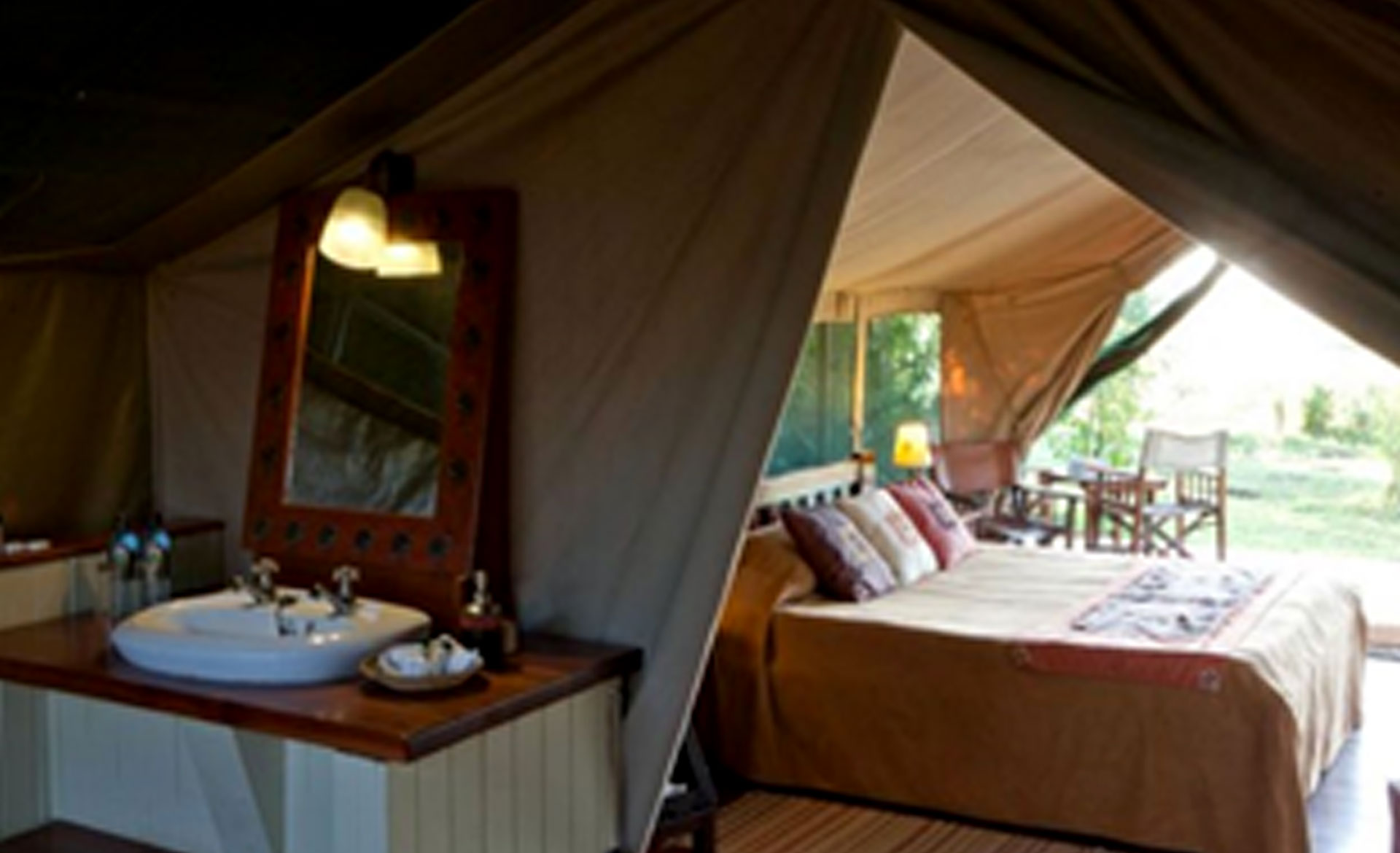 Diani_travel_center_diani_tours_and_safaris_2_Days_masai_mara_by_air_diani_masai_mara-air_Governors_Camp